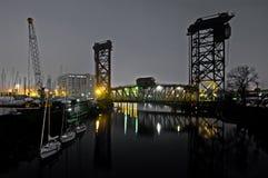 De Scène van de Rivier van Chicago bij Nacht Stock Foto