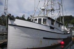 De scène van de vissersboothaven Stock Afbeeldingen