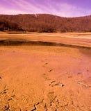 De scène van de woestijn van meer Mavrovo Stock Afbeeldingen