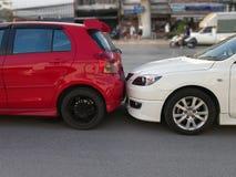 De scène van een autoneerstorting en een ongeval, autoongeval voor auto insuranc eis royalty-vrije stock foto's