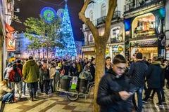 De Scène van Nigth van de Kerstmisdecoratie, Madrid, Spanje royalty-vrije stock afbeelding