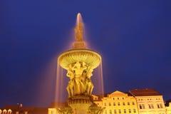 De scènes van de nacht, de fontein van samsonovakasna Stock Foto's