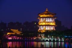 De architectuurnacht van China royalty-vrije stock afbeelding