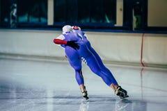 De schaatser van mensenatleten rolt gelijktijdig stock foto's