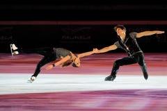 De schaatsers Nicole Della Monica & Matteo Guarise van het ijs Royalty-vrije Stock Foto's