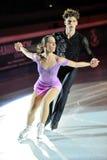 De schaatsers Nicole Della Monica & Matteo Guarise van het ijs Stock Foto's