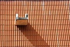 De schaduw op een dak Stock Afbeeldingen