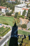 De schaduw van Campanile in Berkeley, Californië royalty-vrije stock foto's