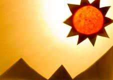 De schaduw van zon en bergen. Stock Afbeeldingen