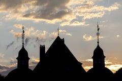 De schaduwzonsondergang van kasteel neuenhof Duitsland nrw royalty-vrije stock afbeeldingen