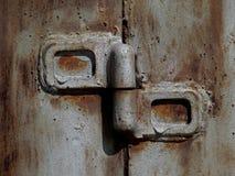 De scharnier van de ijzerdeur stock foto