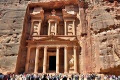 De Schatkist (Al Khazneh) - Petra, Jordanië Stock Afbeeldingen