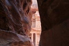 De Schatkist, Al Khazneh, in Petra, Jordanië Royalty-vrije Stock Foto's