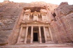 De schatkist bij Petra Jordanië Stock Afbeeldingen