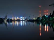 De scheepswerf van Gdansk bij nacht Stock Fotografie