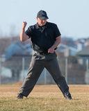 De scheidsrechter van het middelbare schoolhonkbal maakt de vraag Royalty-vrije Stock Fotografie