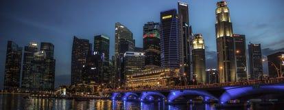 De Schemer van de de Stadshorizon van Singapore Maleisië Royalty-vrije Stock Foto's