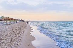 De schemering op het strand van Gr Kantaoui Stock Afbeeldingen