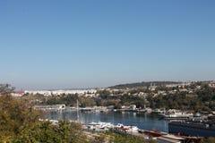 De schepen en de boten zijn in de haven, de Zwarte Zee Royalty-vrije Stock Afbeelding