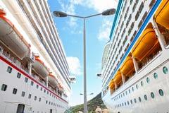 De schepen van de cruise Stock Afbeeldingen