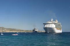 De schepen van de cruise in Cabo San Lucas, Mexico royalty-vrije stock foto