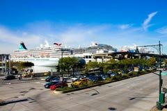 De schepen van de cruise ontladen in Manhattan, NYC Stock Fotografie