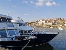 De schepen van de cruise in Porto Stock Afbeeldingen
