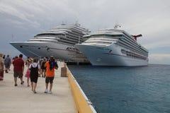 De Schepen van de Cruise van Carnaval Royalty-vrije Stock Foto