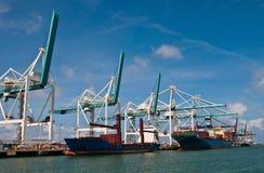 De schepen van de vracht royalty-vrije stock afbeeldingen