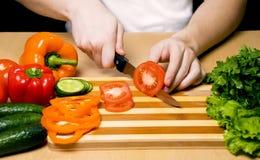 De scherpe groenten van de mens Stock Afbeeldingen