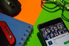 De Schets dev app van Adobe Photoshop op Smartphone-het scherm royalty-vrije stock foto's