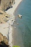 De schilderachtige kustlijn van Sandy Bay Westelijke kust van Meer Baikal Hoogste mening Stock Fotografie