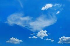 De schilderachtige wolken zijn in hemel Royalty-vrije Stock Afbeeldingen