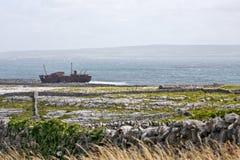 De schipbreuk van PMV Plassy, Inisheer, Aran Islands, Ierland Royalty-vrije Stock Afbeeldingen