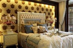 De schitterende kleurencollocatie van de slaapkamer verfraait Stock Afbeeldingen