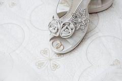 Bruids schoenen en toebehoren Stock Foto