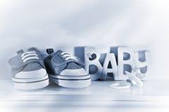 De schoenen van de baby denin Stock Foto's