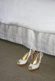 De Schoenen van het bed royalty-vrije stock fotografie