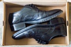 De schoenen van het mensen` s leer stock afbeelding