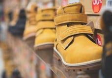 De Schoenen van de mensen` s Winter stock foto's