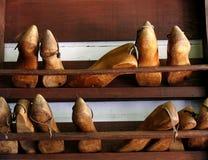 De schoenvormen van de schoenmaker Stock Foto's