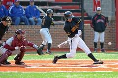 De schommeling van het honkbal na de regen - Maryland Royalty-vrije Stock Afbeeldingen