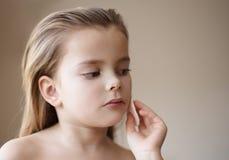 De schone huid is zeer belangrijk stock afbeelding