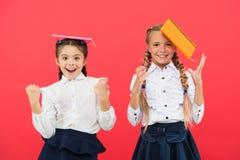De school levert concept De kantoorbehoeften van de school Koop leuke kantoorbehoeften voor pret het bestuderen Meisjes beroemd v royalty-vrije stock foto's