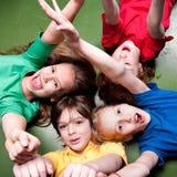 De schoolkinderen schreeuwen Stock Fotografie