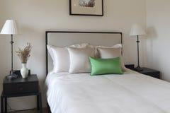 De schoon en propere slaapkamer Stock Afbeeldingen