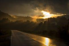 De schoonheid na een onweer van de avonddonder Royalty-vrije Stock Foto