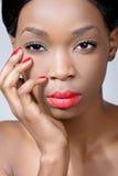 De schoonheid van de close-up die van een jonge vrouw is ontsproten Stock Afbeelding