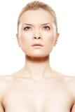 De schoonheid van het kuuroord. Model met mooie schone zachte huid Stock Fotografie