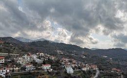 De schoonheid van Skyfallwolken stock afbeeldingen